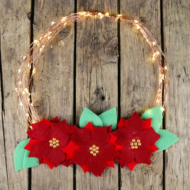 poinsettia_light_wreath_1_insta