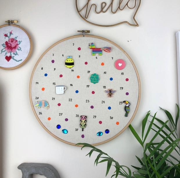 DIY Enamel Pin Calendar Storage – I Heart Maggie