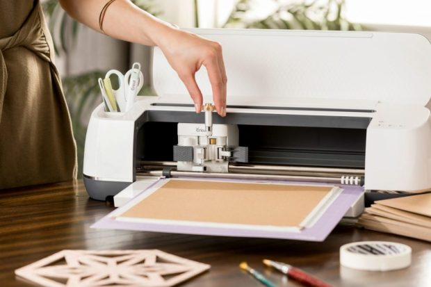 Cricut-Maker-Knife-Blade-Launch-1000x667